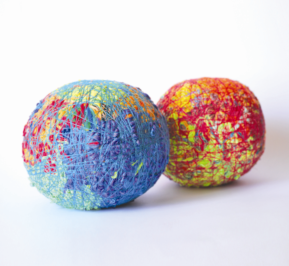 Los hilos de color de Reymond Romero toman los espacios de la Galería D'Museo