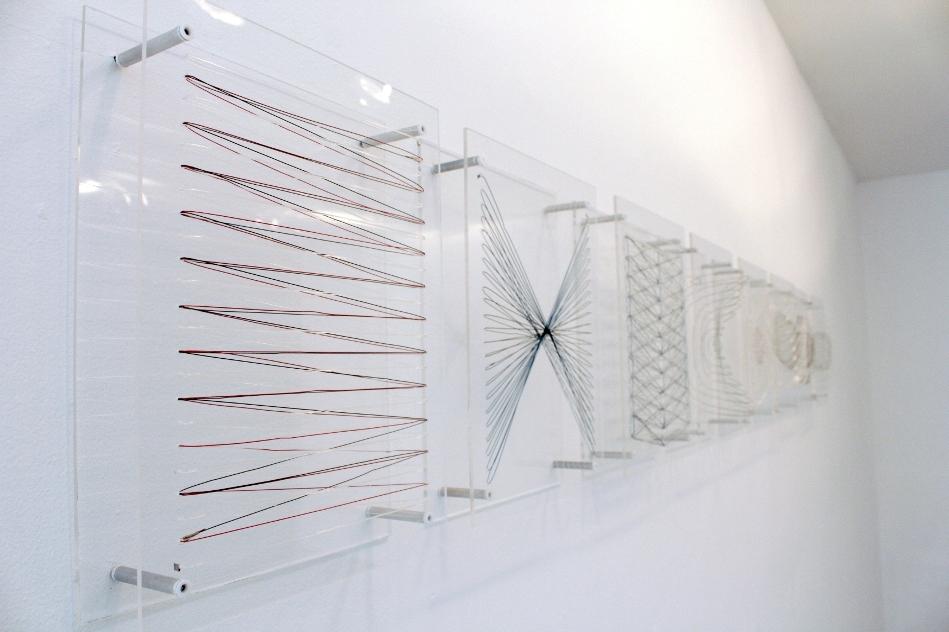 La línea y la transparencia en la obra de Nadia Benatar protagonizan exposición en la Galería Espacio 5 de Valencia