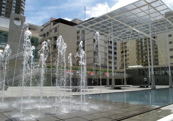 Luis Cobelo conversará sobre su fotolibro 'Zurumbático' durante la próxima sesión de Foto en la plaza