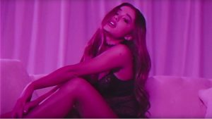 1401x788-Ariana-Grande_Dangerous-Woman00