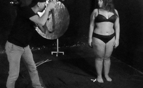 """""""VidaDeActriz"""" al desnudo con Jhurani una artista de piel y sensualidad"""