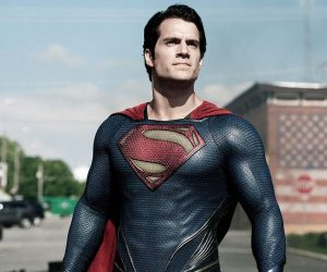 see-henry-cavill-wearing-christopher-reeves-superman-costume_uk9c