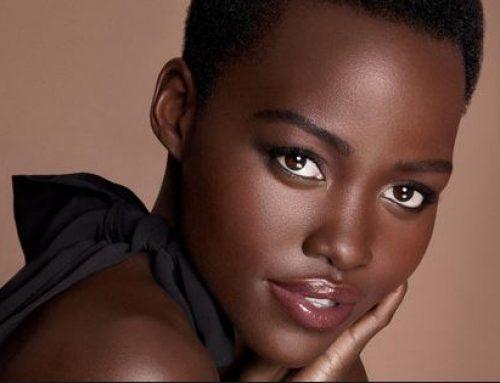 #SexyRock La actriz Lupita Nyong'o un cuerpazo de toda una diosa afro descendiente