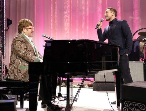"""Taron Egerton y Elton John cantan a dueto """"Tiny Dancer"""" y es sorprendente"""