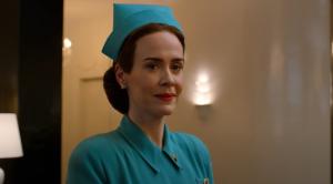 Sara Paulson da vida a la enfermera Ratched en la nueva serie de Netflix